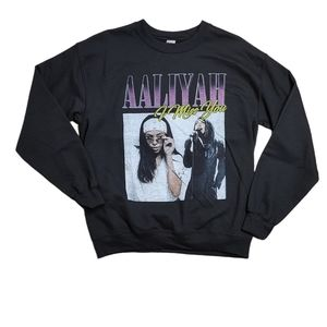 NWOT Gildan Aaliyah Graphic Band Sweatshirt Medium